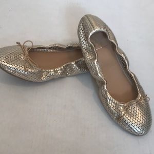 Women's sz 7.5 gold ballet flats Kaari blue worn1x